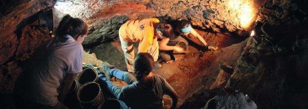 Inauguração do Centro Interactivo Arqueologia da UÉ com Exposição de Fotografia 'Arqueologia com Gente Dentro'