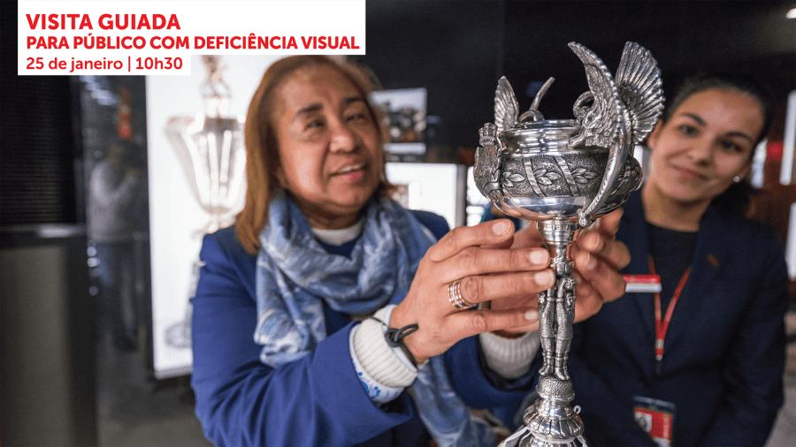 Visita Guiada para Público com Deficiência Visual