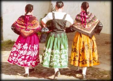 Bailes Regionales infantil y adultos. CEREZO EN FLOR