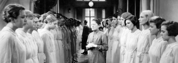 Muchachas de uniforme, 1931.