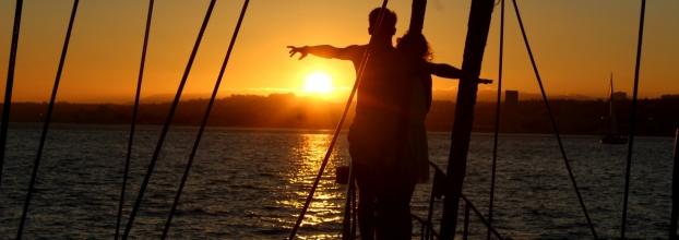 Passeio de veleiro no rio Tejo - Dia dos namorados