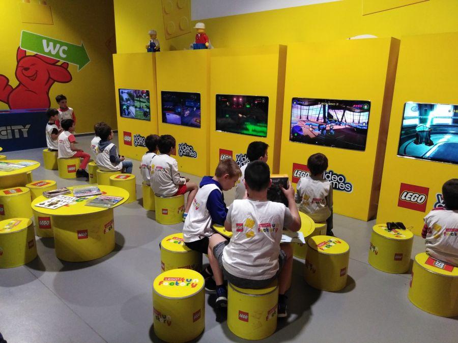 Nova linha de brinquedos com Realidade Aumentada Hidden Side chega à LEGO Fun Factory de Matosinhos