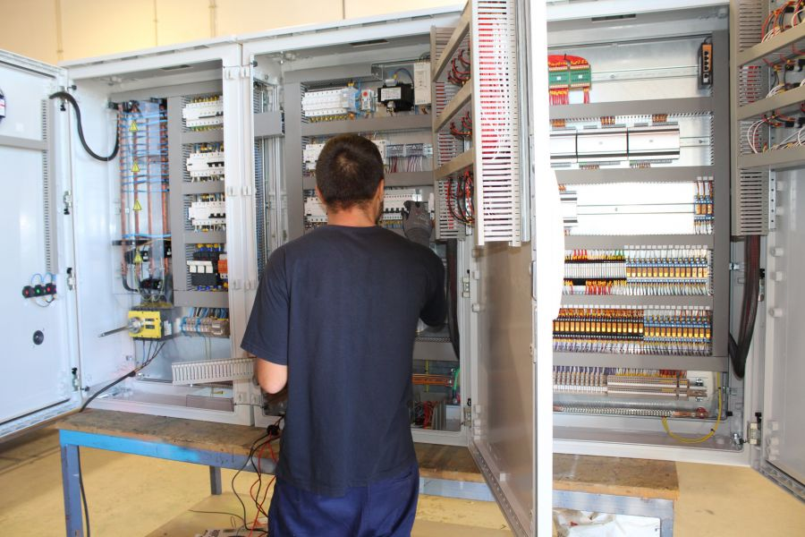 Quadros Elétricos | Conceção, Montagem e Funcionamento