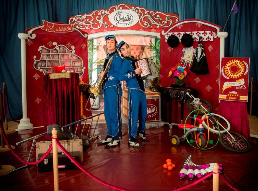 A su servício | Novo Circo