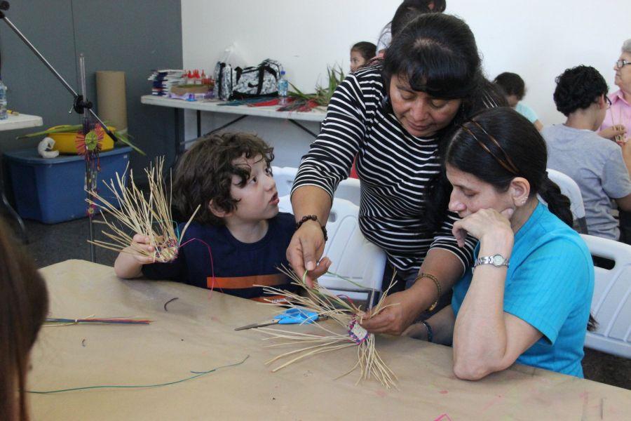 Canastas con fibras vegetales. Tradición indígena ancestral