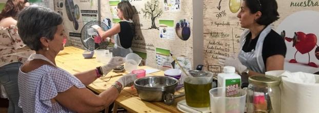Taller de elaboración de jabon natural con aceite de oliva