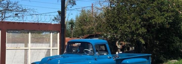 Carros antiguos. 5 décadas representadas en vehículos