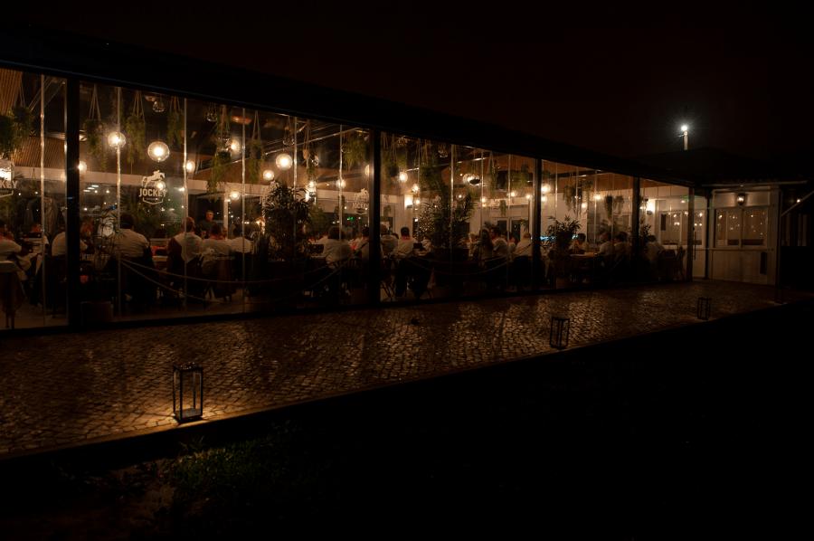Em plena Lisboa, um jantar romântico num ambiente campestre