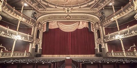 Cabaret. Joe Masteroff, John Kander & Fred Ebb. Drama histórico