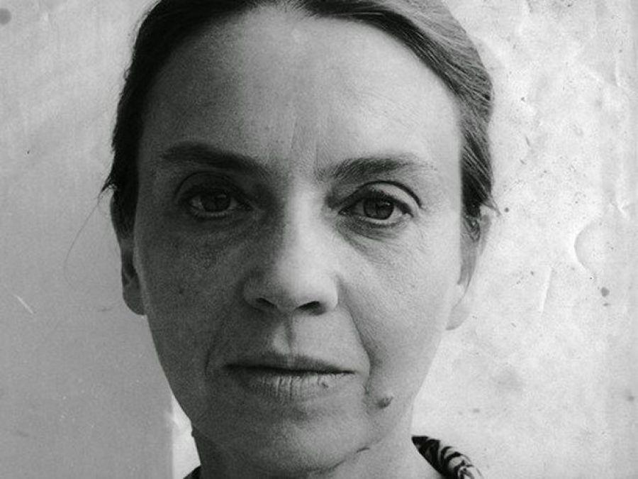 """""""MEMÓRIAS DE CRIADA – UM ESPETÁCULO PARA SOPHIA DE MELLO BREYNER ANDRESEN"""", de Neusa Dias"""
