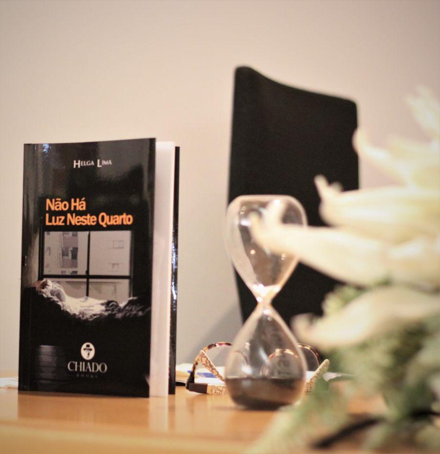 Lançamento do livro de Helga Lima