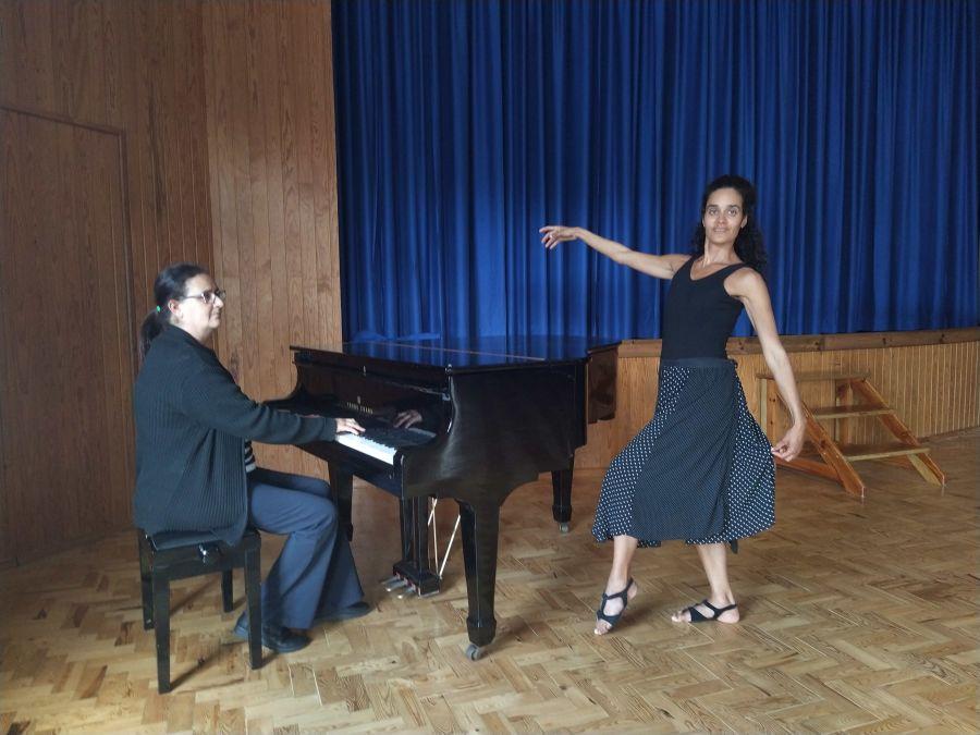 Aulas de Alongamento & Condicionamento físico ao som do piano