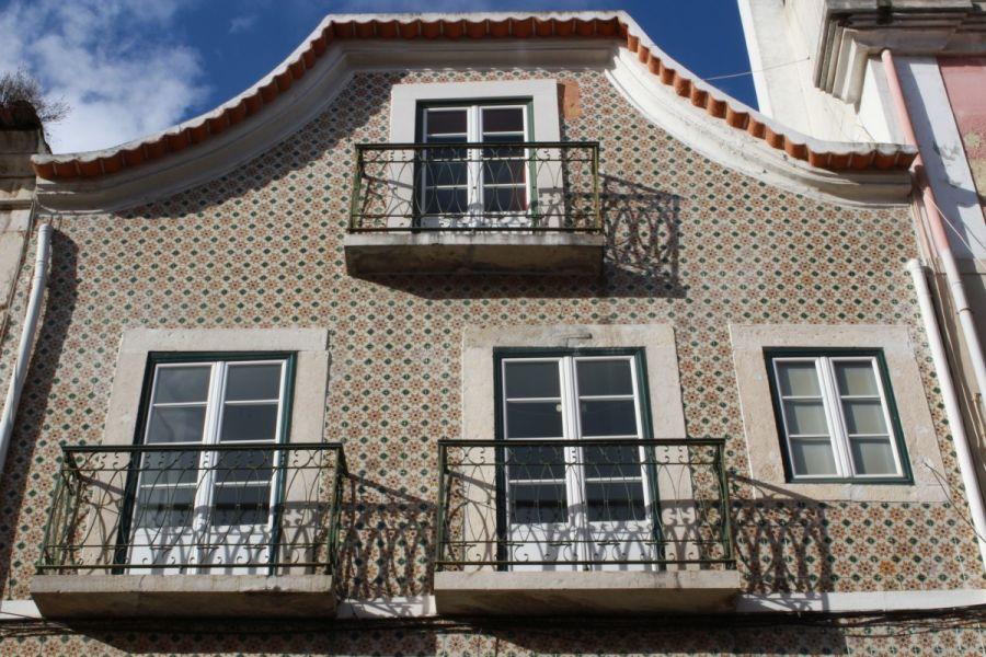 Lisboa Azulejar ll - As Fachadas da Madragoa