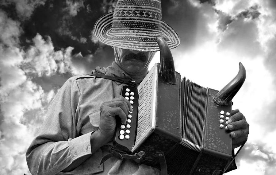 Los viajes del viento. Ciro Guerra. Colombia. 2009