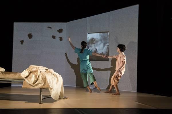 Teatro: «La vida de los salmones» // Sala Trajano de Mérida