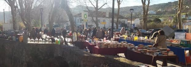 Feira de Antiguidades,Velharias e Artesanato da Vila de Colares