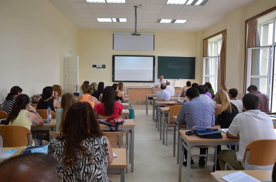 PROTOCOLO Y COMUNICACIÓN INSTITUCIONAL Y CORPORATIVA // Curso de verano