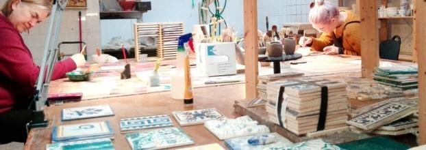 Workshop de pintura de azulejo