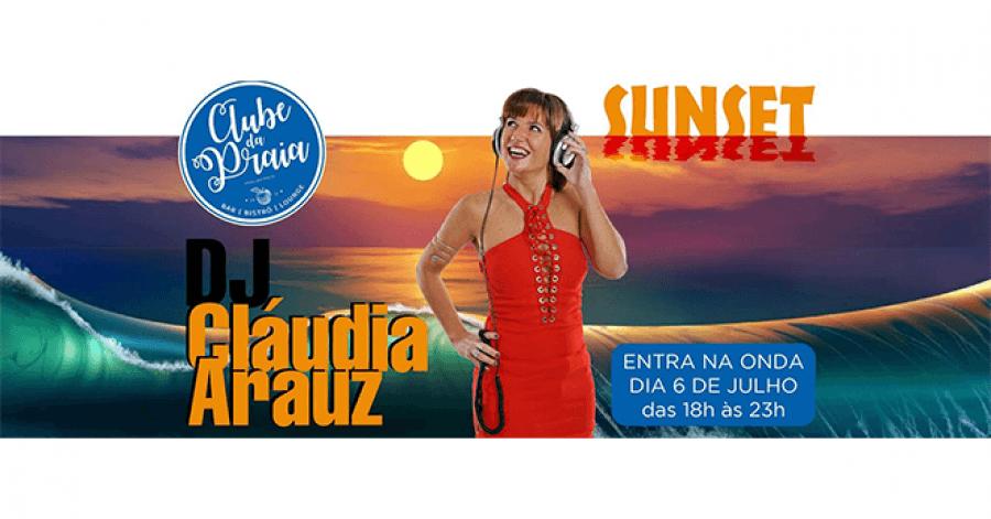DJ Claudia Arauz no Clube da Praia