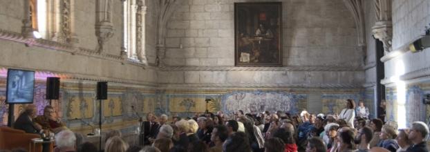 Diálogos com o Mosteiro dos Jerónimos Entre o mundo que não vivemos e o mundo em que não viveremos.