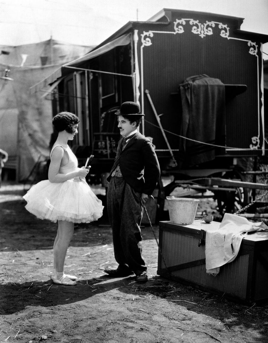 Catherine Morisseau acompanha ao piano O Circo de Chaplin