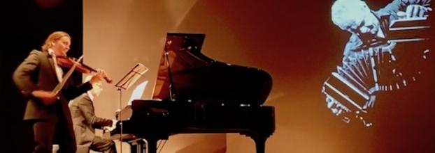 Duo Oblivion (piano e violino) interpreta Astor Piazzolla