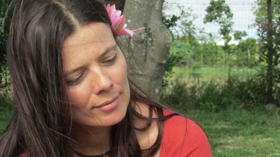 Histórias com yoga por Helena Burbuleta