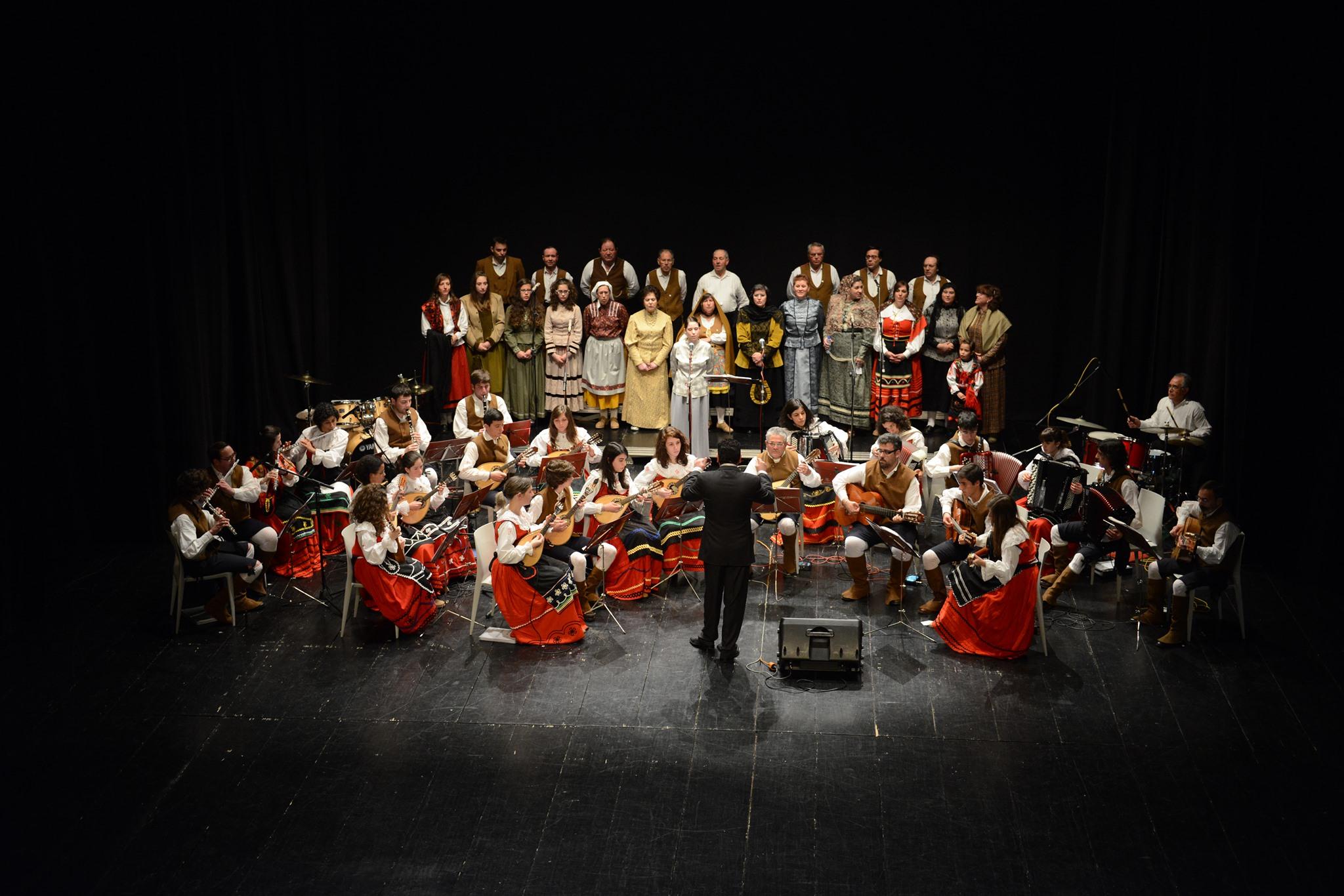 Folhas Novas - Orquestra Típica Albicastrense
