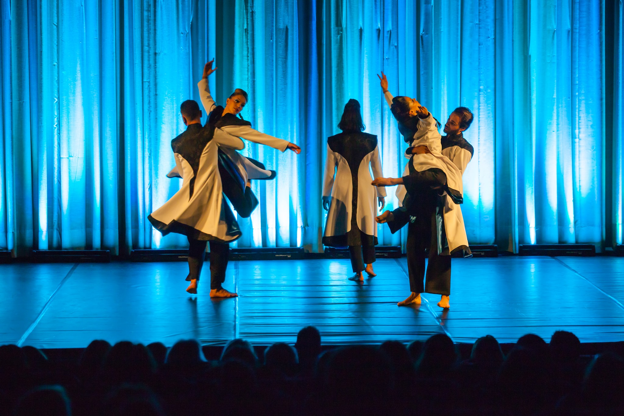 THE FLUIDITY OF THINGS pela Companhia Sublime Dance