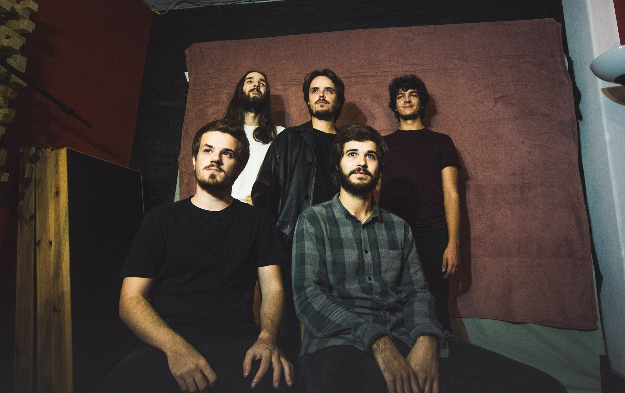 Dream People apresentam 'Almost Young'