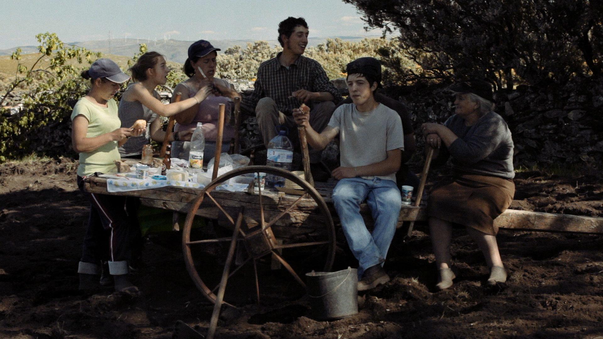"""""""Volta à Terra"""" de João Pedro Plácido   Cinema na Rua – Cultura em Movimento"""