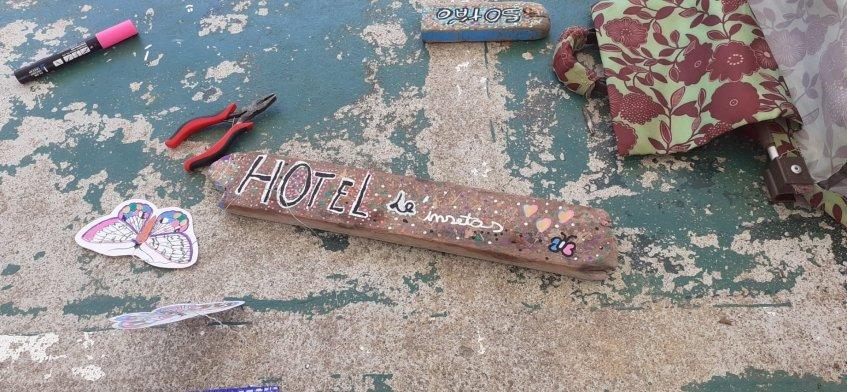 Um hotel para insetos - CANCELADO