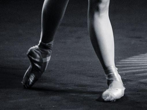 """""""Le Grand Jeté"""", pela Associação de Dança de Lagos"""