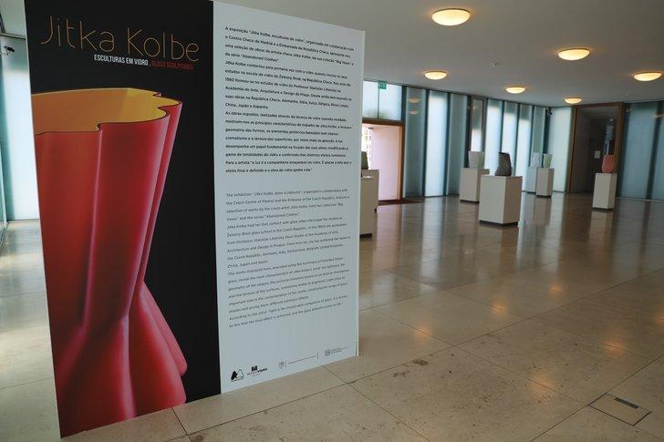 """Exposição """"Jitka Kolbe, esculturas ..."""