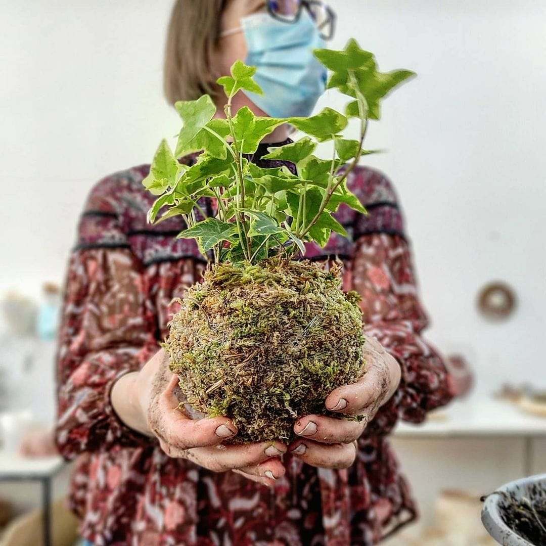 Workshop de Kokedamas com FIU Jardins Suspensos