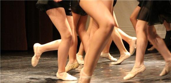 Apresentação das classes da Escola de Dança Municipal