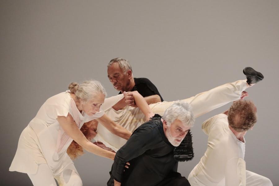 Conversa pós-espetáculo com coreógrafos, intérpretes, Joana Marques e Paula Varanda (moderação) - No âmbito do O lugar do canto está vazio
