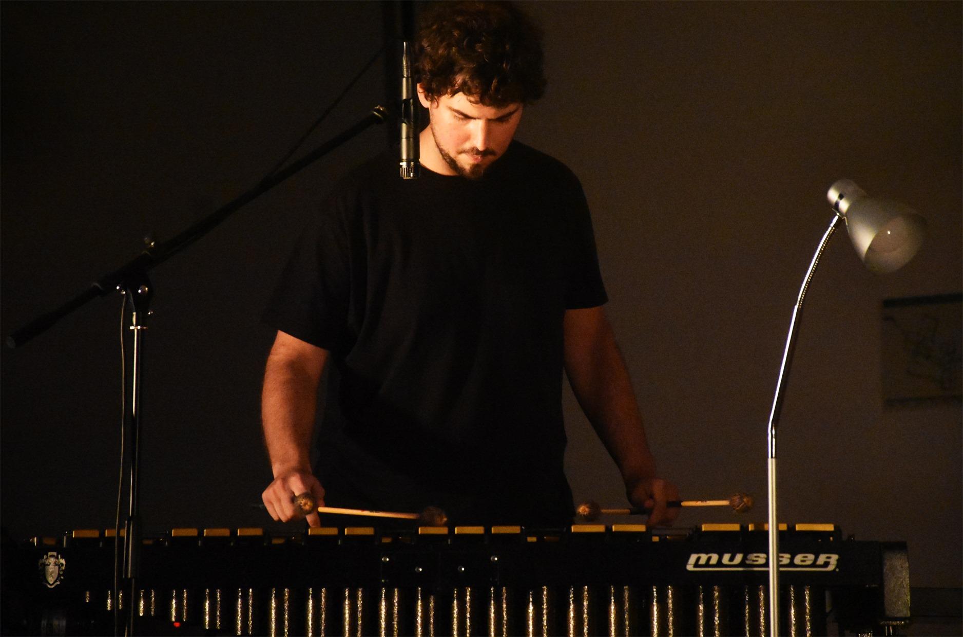 Jonathan Silva - Quintas das Artes