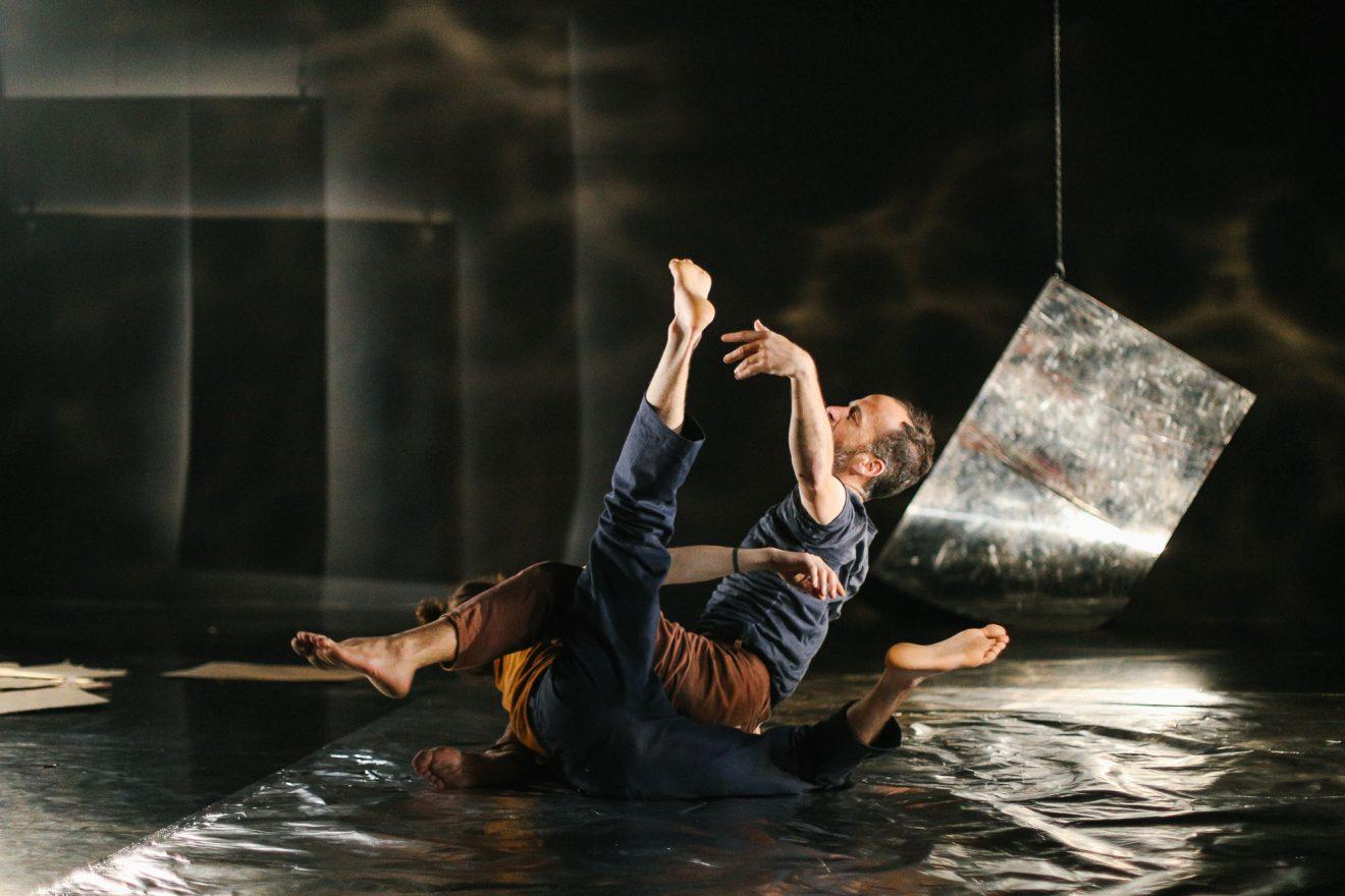ENLLUERNADOR - Danza