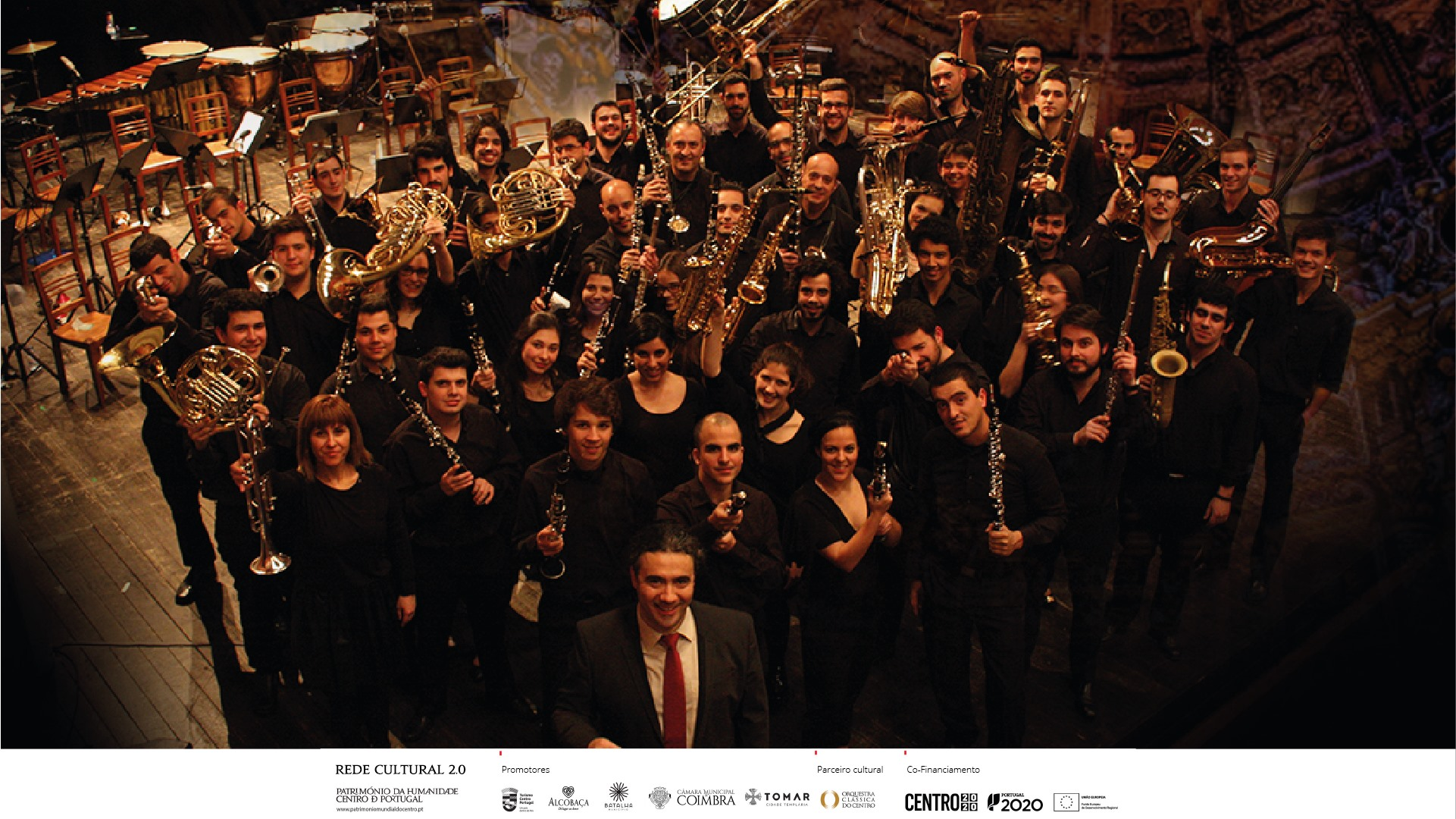 Banda Sinfónica de Alcobaça   Cerca do Mosteiro de Alcobaça