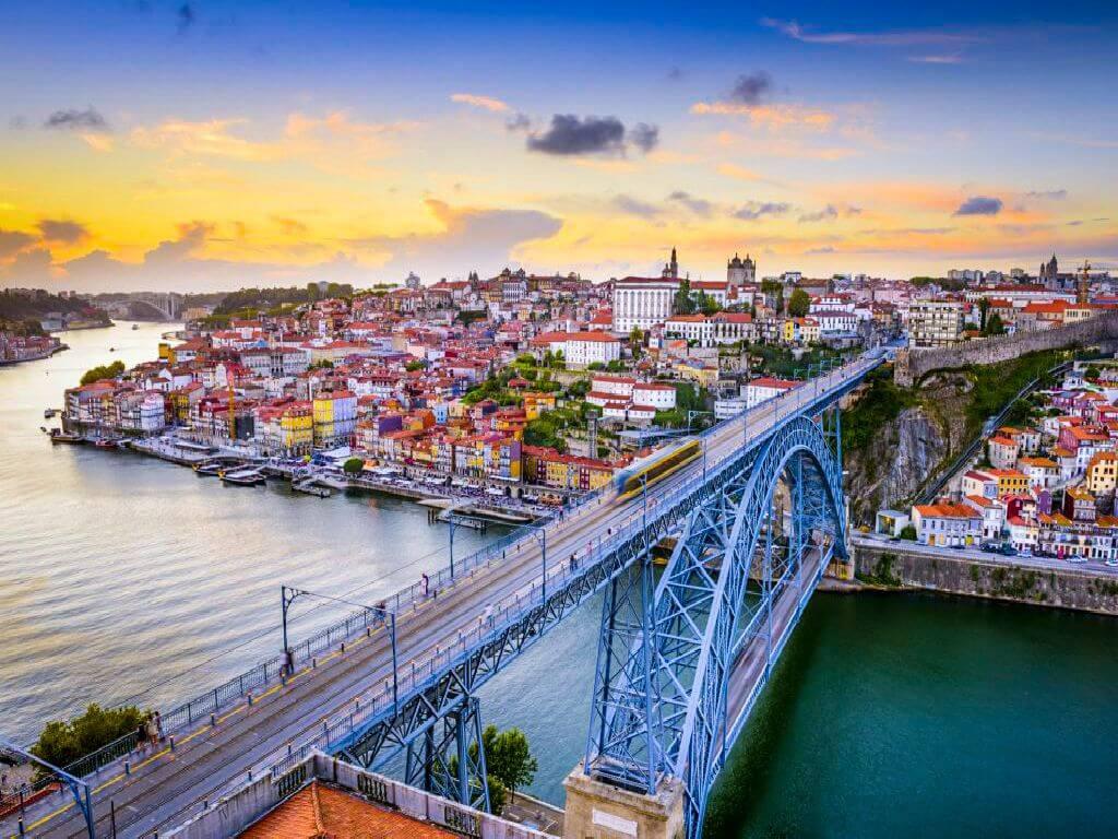 Cruzeiro no Douro e Porto