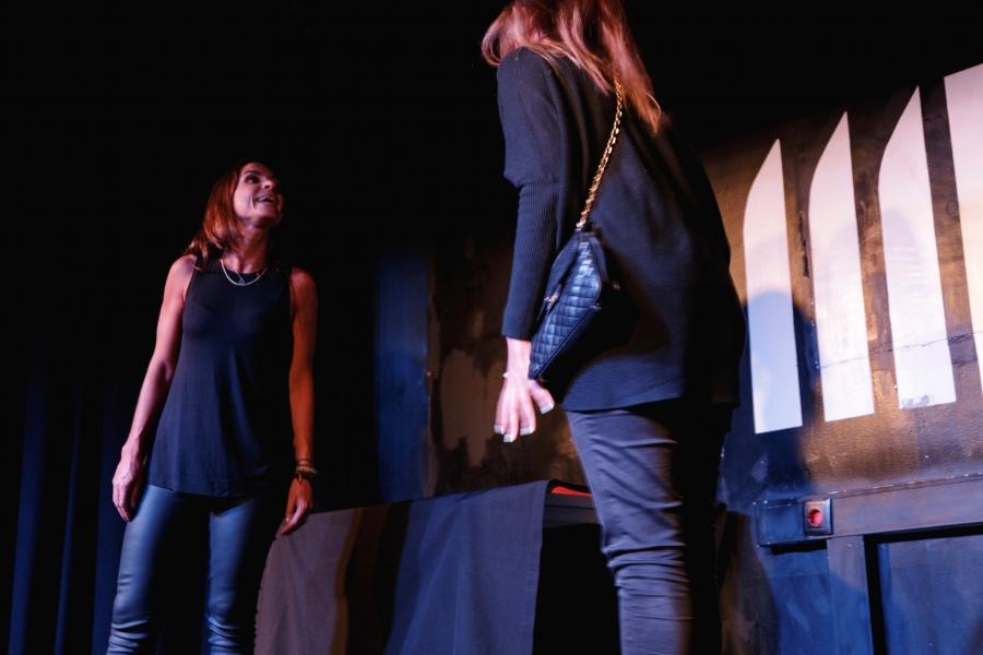 Teatro à Mesa | Seriatro: Uma Série em Teatro