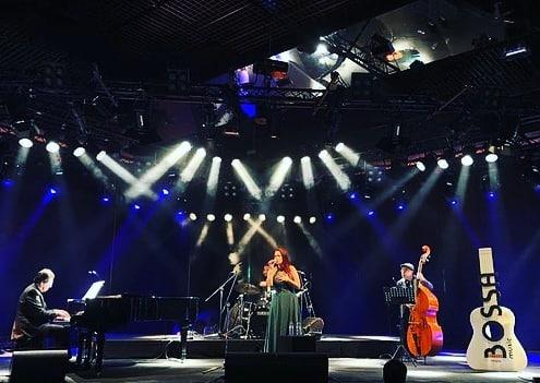 Micheline Cardoso &  Bossa Nossa Trio @querotenasdocas