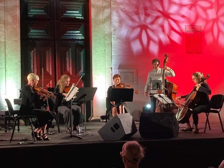 QUINTETO SULL'A CORDA - Obras de Mozart, Bottesini, Grieg, Tchaikovsky, Shostakovitch.