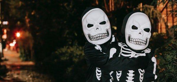 Dia do Halloween – Mala-Posta assombrada