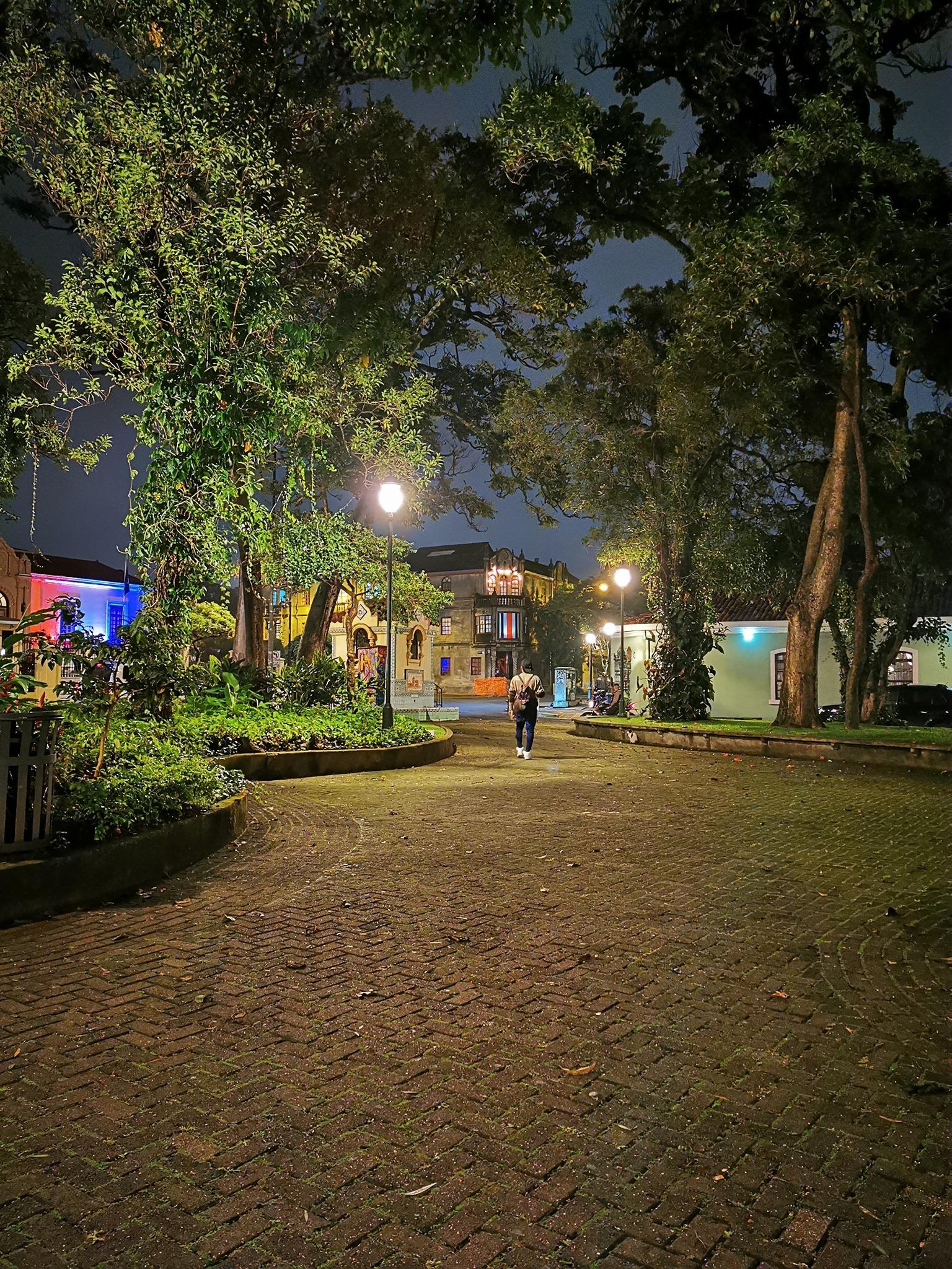 Caminando por el Corazón: Ruta de Parques (Recorrido a pie)