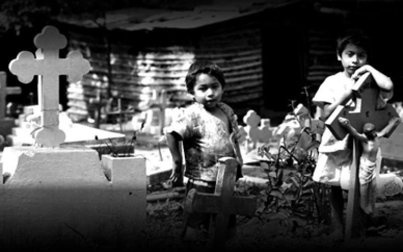 Entre los muertos (Jorge Daltón, El Salvador, 2012)
