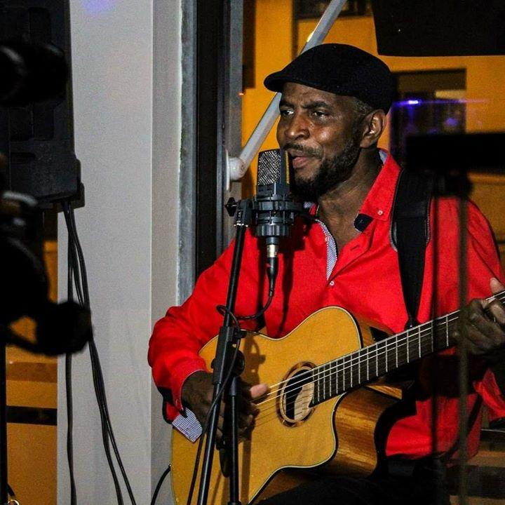 Jantar: São Tomé e Príncipe + concerto Filipe Santo e amigos