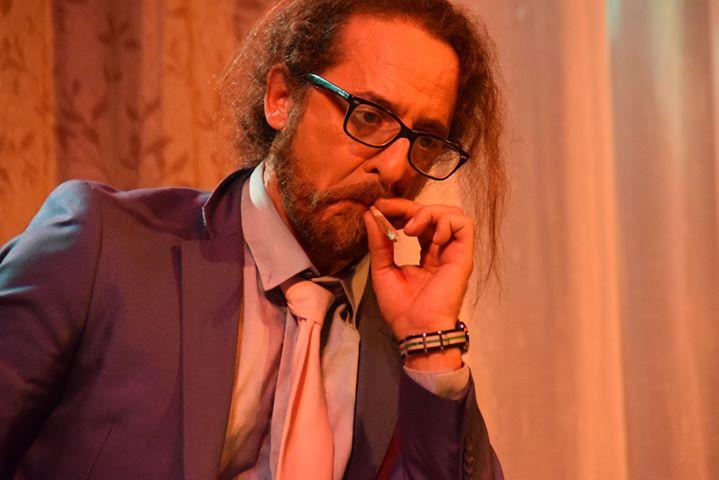 Teatro D'Rule | «Un hombre casi decente»