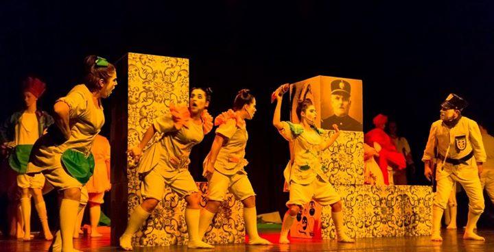 Teatro - Uma História que não lembra o Diabo - Teatro da Retorta